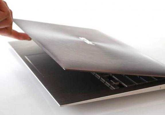 ASUSUX21 011 [Computex 2011] Intel Ultrabook redefine el concepto de ultraportátil