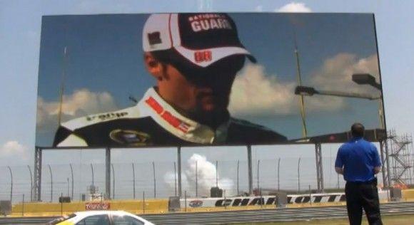 Panasonic crea para el NASCAR la pantalla más grande del mundo