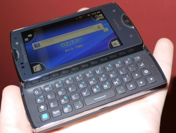 Sony Ericsson anuncia los XPERIA Mini y Mini pro 32