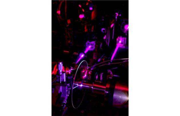 General Electric desarrolla un disco holográfico tamaño DVD de 500 Gbytes
