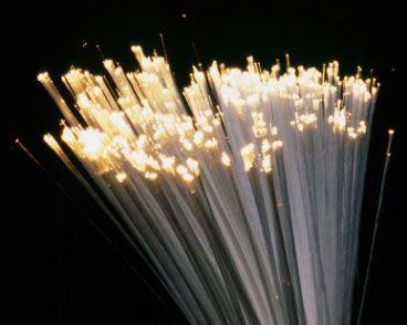 España a la cabeza de la fibra óptica, nuevo enrutador más pequeño y eficiente
