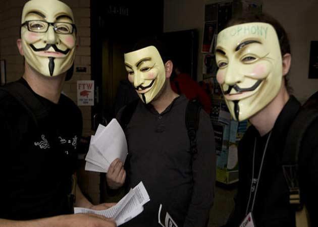 La máscara de Anonymous bate récords; Time Warner encantado
