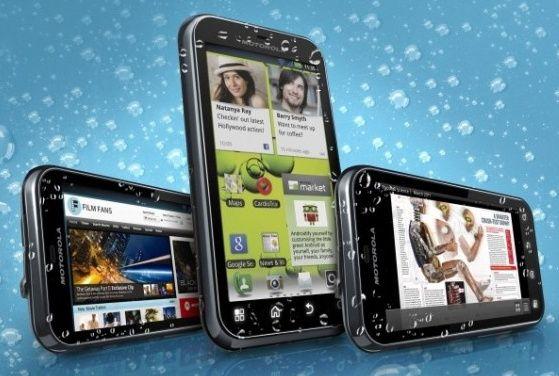 Motorola presenta el smartphone resistente DEFY+