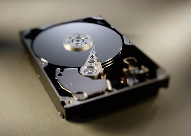 Los precios de los discos duros se encarecen un 50% en una semana