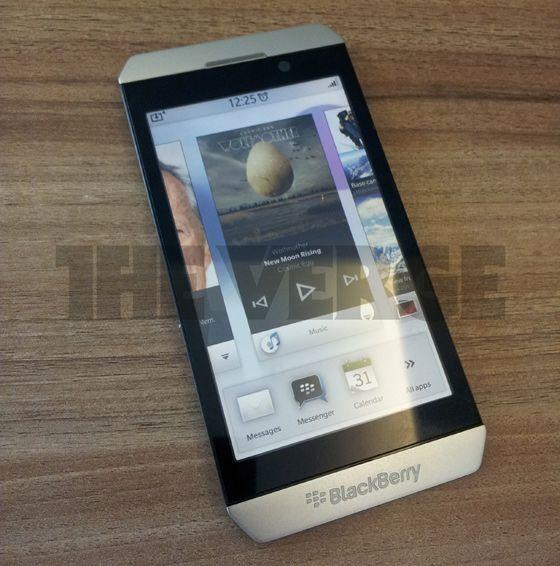 BlackBerry London, primer smartphone con RIM BBX