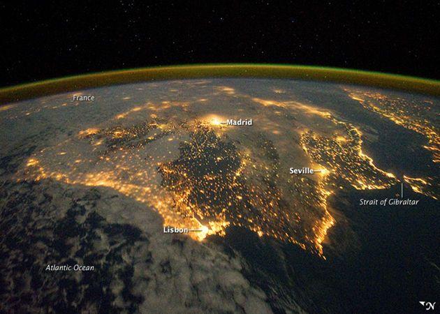 Iberia de noche desde el espacio es la imagen diaria NASA