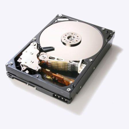 Hitachi prepara disco duro de 4 Tbytes y 7.200 RPM SATA 6 Gbps