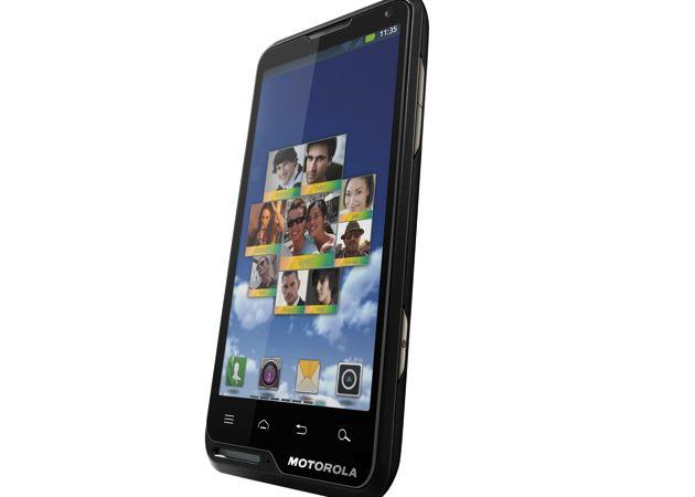 motorola motoluxe Motorola Mobility lanza sus nuevos MOTOLUXE y Motorola DEFY MINI