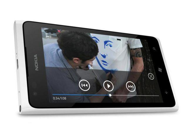 Nokia prepara su Windows Phone 'barato', el Lumia 610