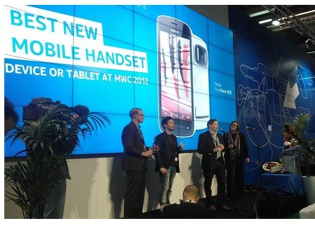 Nombran al Nokia 808 Pureview como mejor terminal del MWC 2012