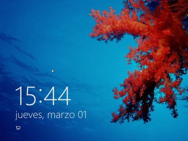 Windows 8 Consumer Preview lock screen 1 600x450 Cómo instalar Windows 8 Consumer Preview