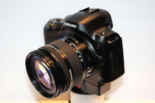 La cámara Samsung NX20 se filtra antes de su lanzamiento 30