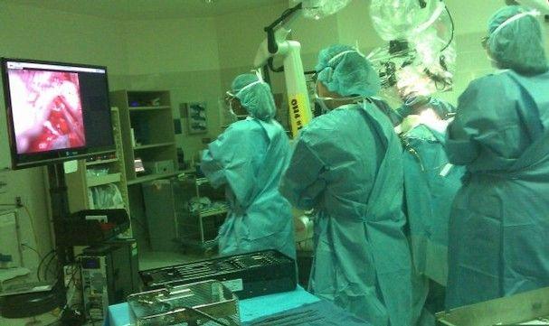Completada con éxito la primera operación quirúrgica en 3D 32