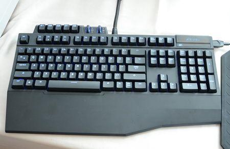 Nuevo teclado gamer GIGABYTE Aivia Osmium y ratón Aivia Krypton 30