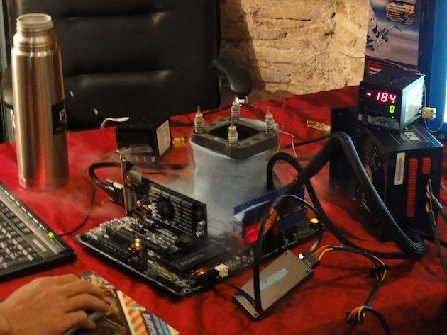 Récord mundial de overclock Core i5-3570k, nada menos que 6,9 GHz 29