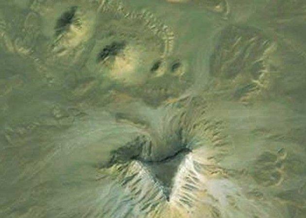 ¿Nuevas pirámides egipcias a través de Google Earth?
