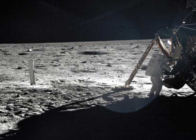 La Luna está triste, fallece Neil Armstrong 29