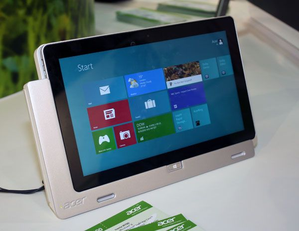 Acer Iconia W700 2 Acer Iconia W700, tablet Ivy Bridge con Windows 8