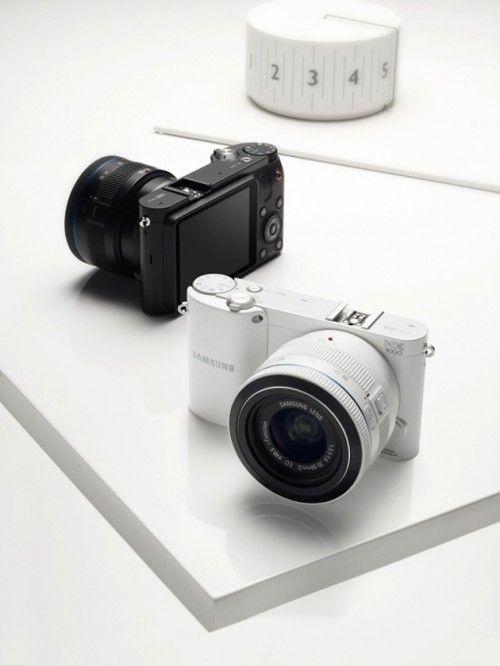 NX1000 03 1024x768 500x666 Samsung NX1000, 20 megapixeles en una mirrorless para todo el público