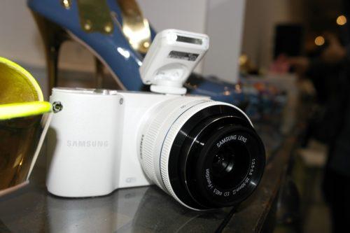 SAM 0006 500x333 Samsung NX1000, 20 megapixeles en una mirrorless para todo el público