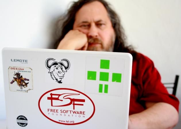 "Richard Stallman dice que ""Ubuntu es spyware"""