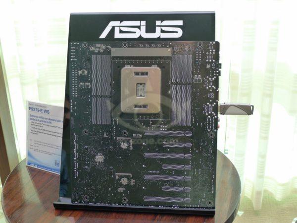 ASUS P9X79-E WS, placa base Sandy Bridge-E de máximo nivel 31