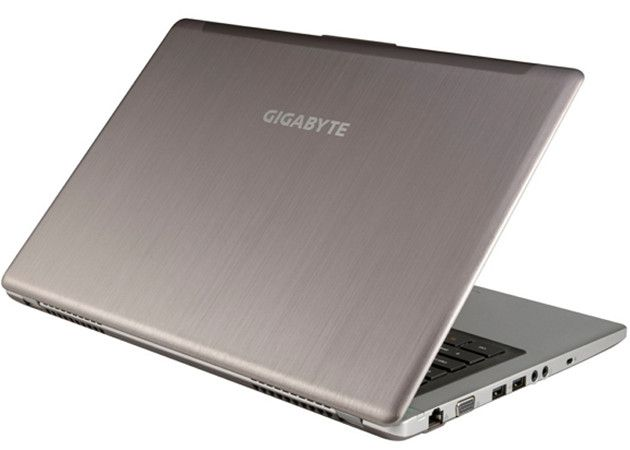 GIGABYTE U2442DT, impresionante Ultrabook para juegos 34