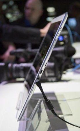 Panasonic presume de tablet: 20 pulgadas con 3840 x 2560 píxeles 30