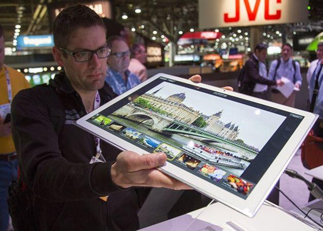 Panasonic presume de tablet: 20 pulgadas con 3840 x 2560 píxeles 29