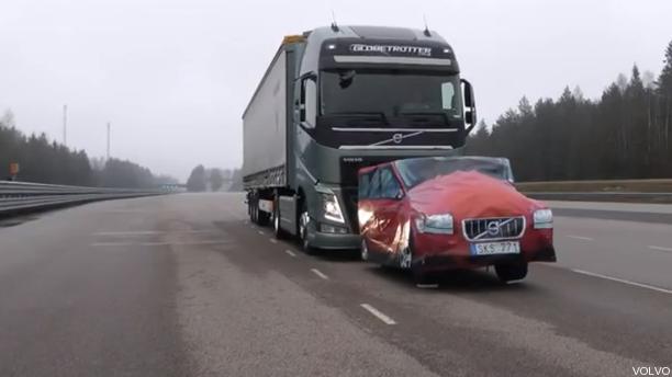 Sistema de frenado inteligente Volvo para camiones
