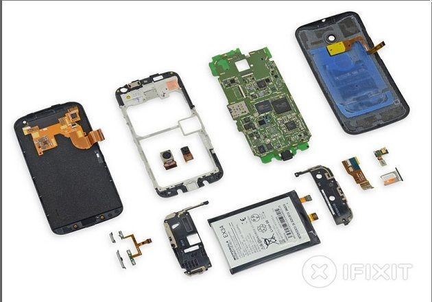 El Moto X muestra sus interiores: es fácilmente reparable