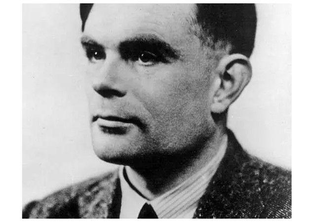 Alan Turing es indultado de la condena por homosexual