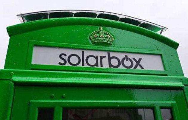 Las emblemáticas cabinas telefónicas de Londres empiezan a ser cargadores de batería