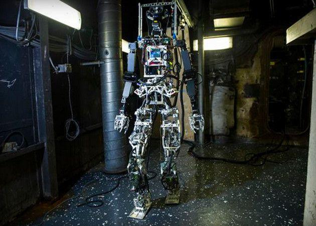 robot bombero