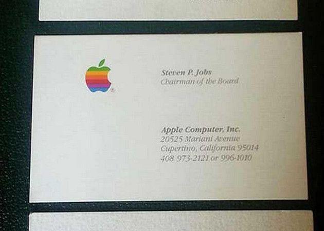 Tres tarjetas de visita de Steve Jobs se subastan por 10.000 dólares