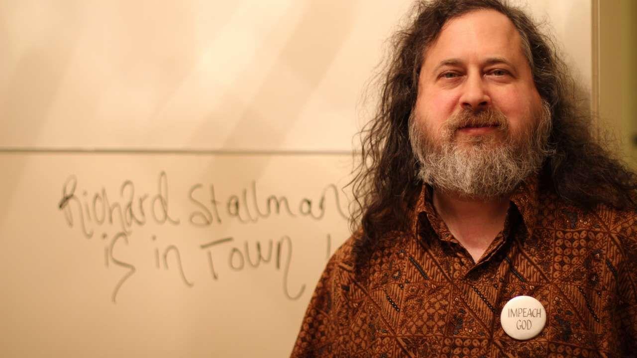 Richard Stallman dice que Windows y OS X son malware