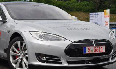 Bosch convierte un Tesla S en un vehículo autónomo con Ubuntu 85