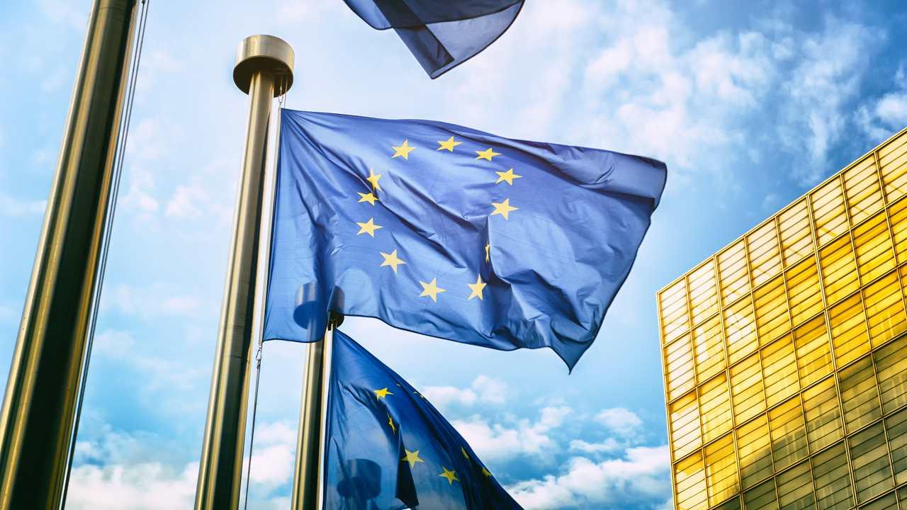 La Unión Europea se alía con Japón para impulsar las redes 5G