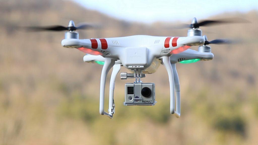 California podría impedir el uso de drones fuera de la propiedad privada