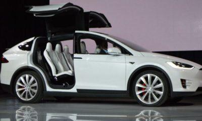Aquí está el Tesla Model X con botón defensivo contra armas biológicas 72
