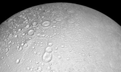 Animación de Encélado, la enorme luna de Saturno 89