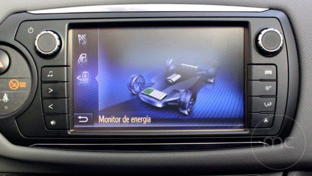 Toyota-yaris-hybrid-26