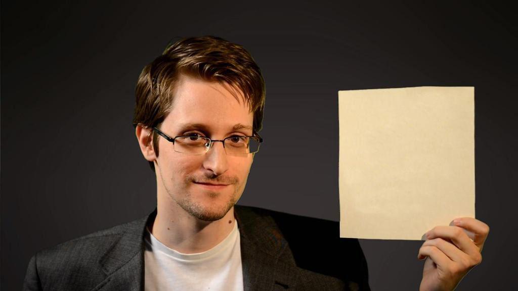 La Unión Europea vota a favor del asilo a Snowden 35