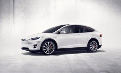 Los coches de Tesla nos desean feliz Navidad 99
