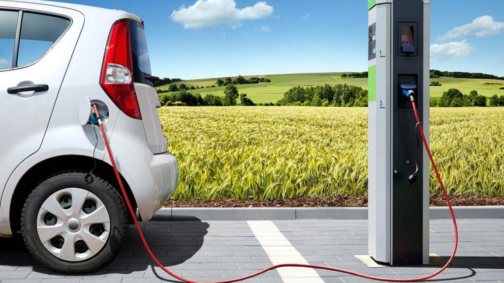 Francia lanzará un coche eléctrico asequible en 2016 30