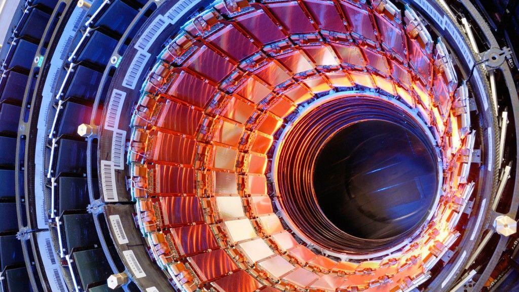 El CERN tiene que cambiar 9.000 cables obsoletos en el LHC 29