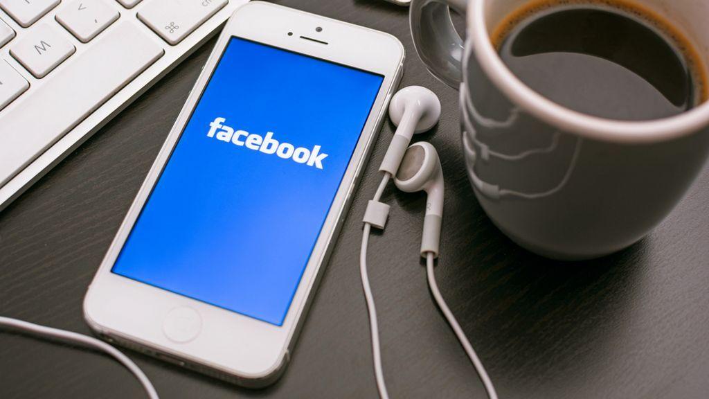 Facebook para Windows 10 Mobile ya soporta Continuum