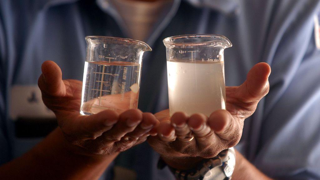 Logran crear baterías que desalinizan el agua al cargarse 30