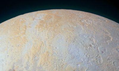 Nueva imagen de Plutón muestra sus cañones más antiguos 75