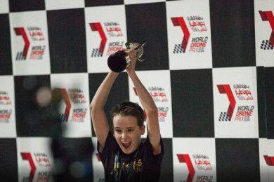 Un chaval de 15 años gana el World Drone Prix